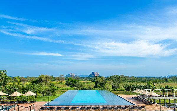 Negombo (Waikkal) > Sigiriya